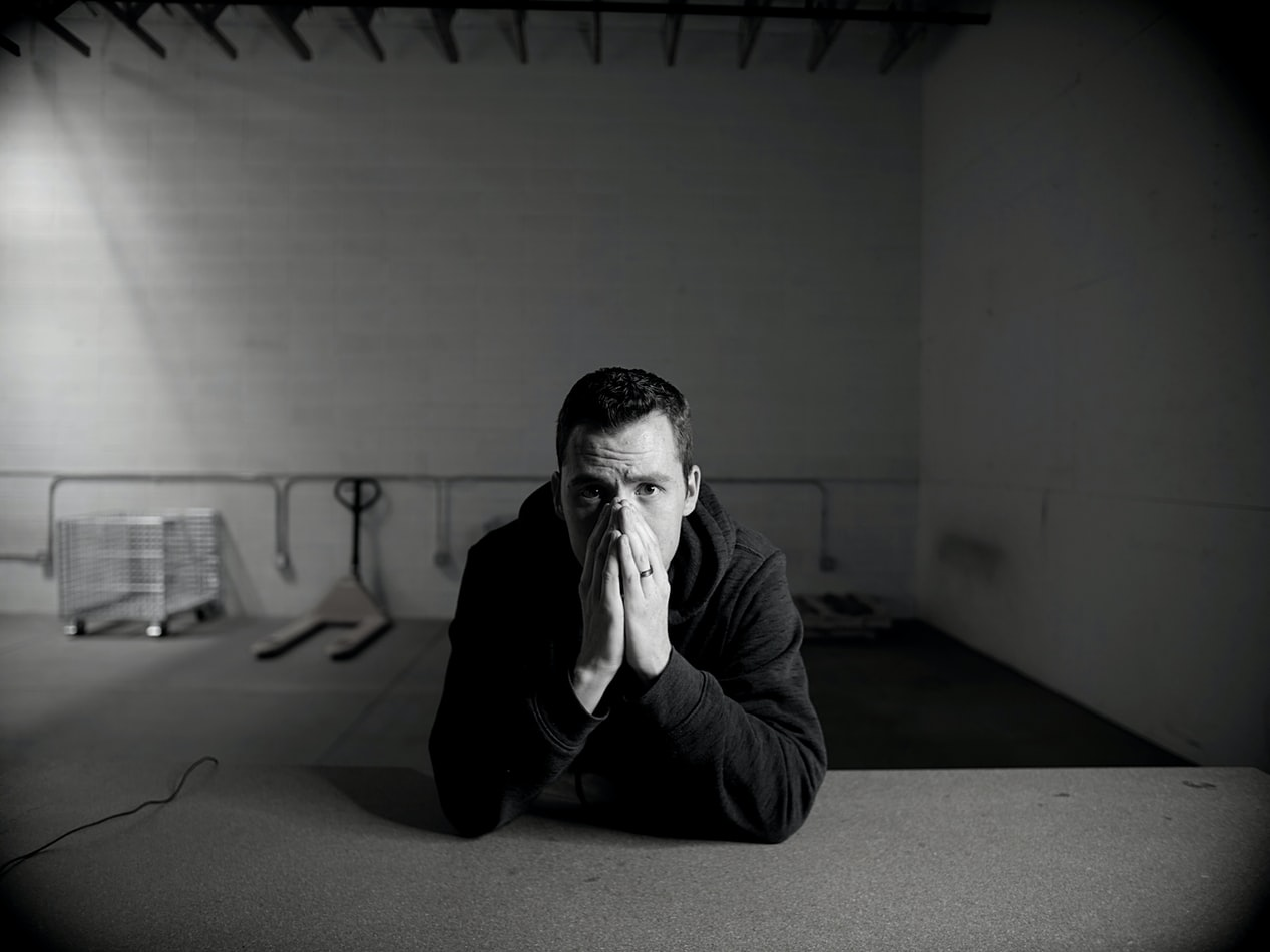 Schuldhulpverlening – hoe schaamte mensen ervan weerhoudt om op tijd hulp te zoeken